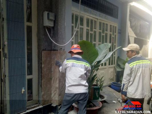 Dịch vụ ốp gạch tưởng nhà trọn gói ở TPHCM